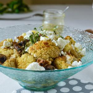 Quinoa Salat mit Blumenkohl und Pilzen